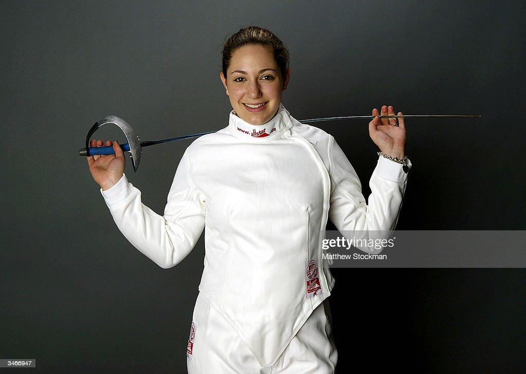 Emily Jacobson saber fencer nude (48 photo), Tits, Paparazzi, Instagram, legs 2006