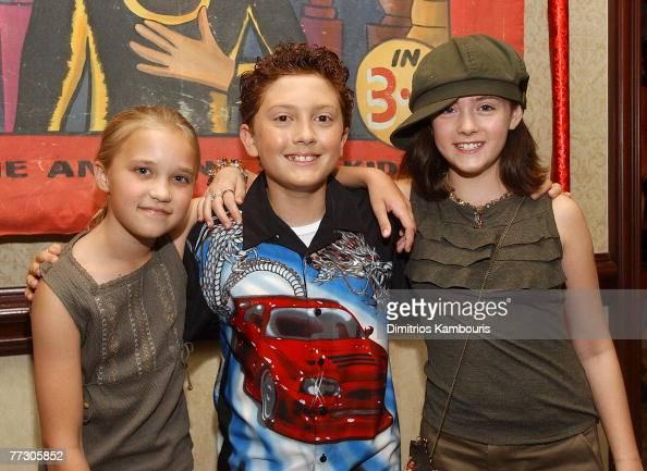 Emily Osment, Daryl Sabara And Courtney Jines News Photo