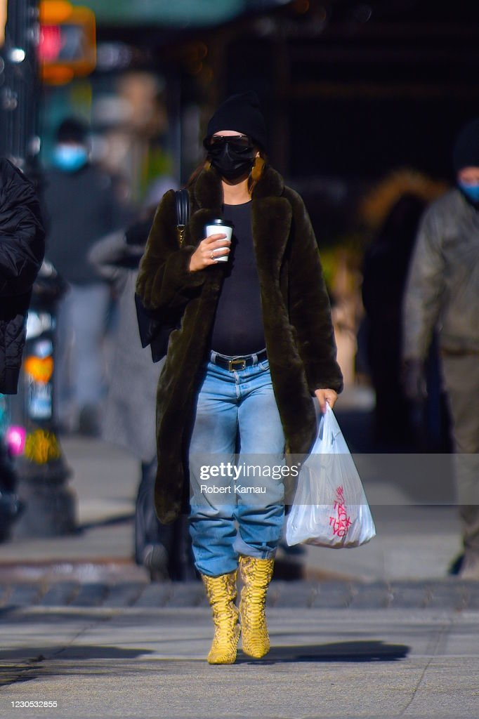 Celebrity Sightings in New York City - January 10, 2021 : Nieuwsfoto's