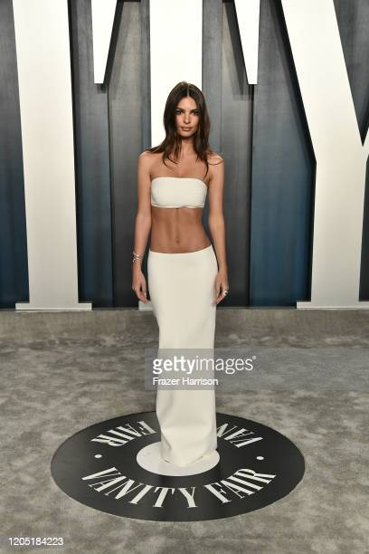Emily Ratajkowski attends the 2020 Vanity Fair Oscar Party hosted by Radhika Jones at Wallis Annenberg Center for the Performing Arts on February 09...