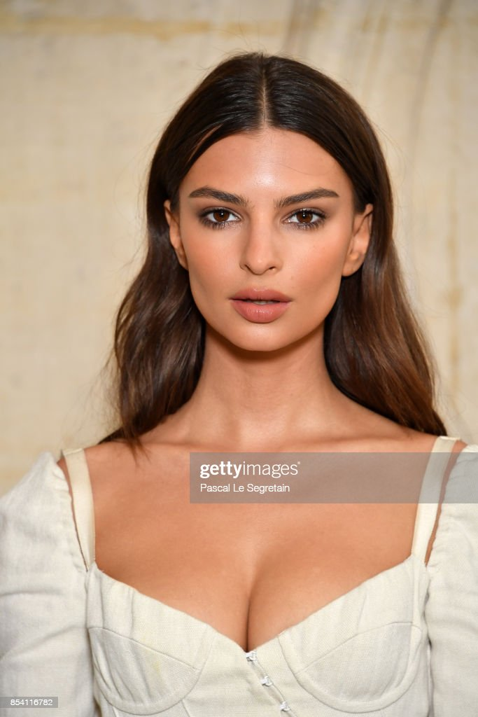 Emily Ratajkowski attends the Christian Dior show as part of the Paris Fashion Week Womenswear Spring/Summer 2018 on September 26, 2017 in Paris, France.