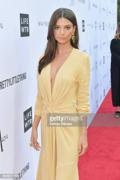 Emily Ratajkowski attends The Daily Front Row's 4th Annual Fashion Los Angeles Awards at Beverly Hills Hotel on April 8 2018 in Beverly Hills...