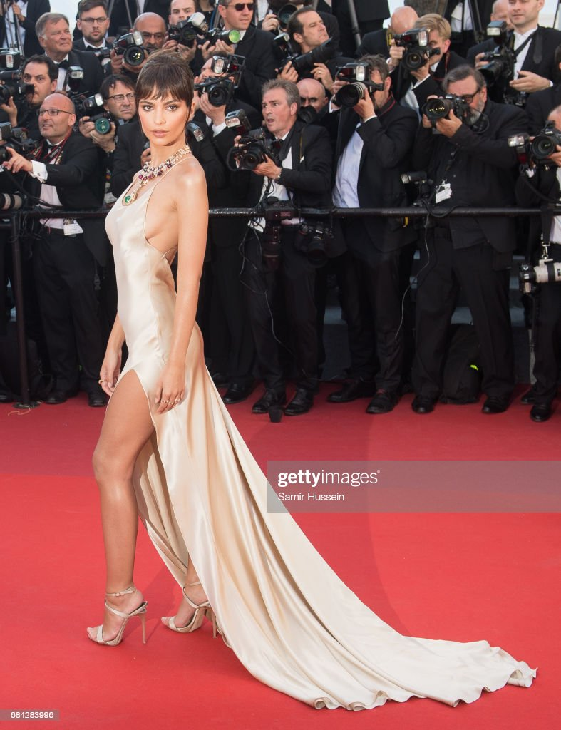 Emily Ratajkowski attends the 'Ismael's Ghosts (Les Fantomes d'Ismael)' screening and Opening Gala during the 70th annual Cannes Film Festival at Palais des Festivals on May 17, 2017 in Cannes, France.