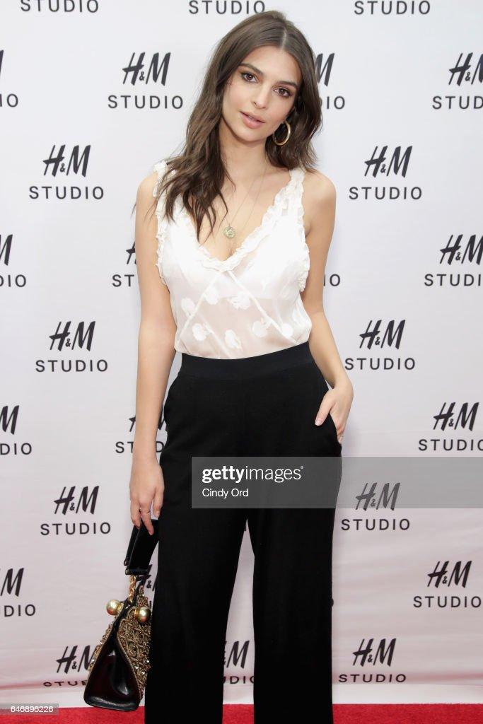 Emily Ratajkowski Hosts The H&M Studio Collection New York Event : News Photo
