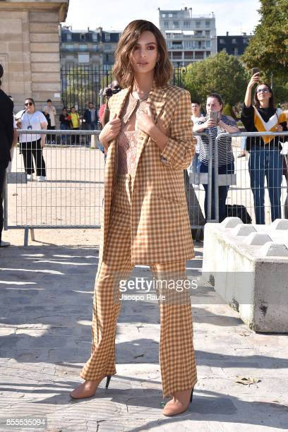 Emily Ratajkowski is seen arriving at Nina Ricci fashion show during the Paris Fashion Week Womenswear Spring/Summer 2018 on September 29 2017 in...