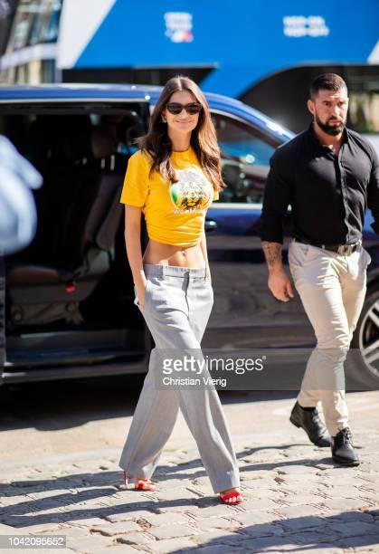 Emily Ratajkowski is seen outside Paco Rabanne during Paris Fashion Week Womenswear Spring/Summer 2019 on September 27 2018 in Paris France