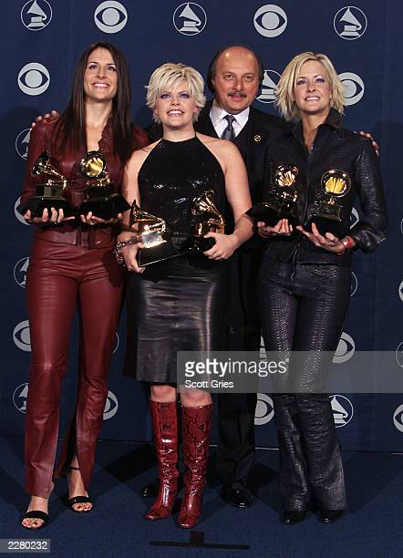 Emily Robison Natalie Maines and Martie Seidel of the Dixie Chicks and Dennis Franz at the 42nd Grammy Awards held in Los Angeles CA on February 23...