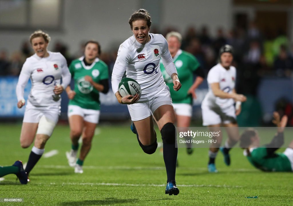 Emily Scarratt of England breaks away to score her team's fourth try during the Women's Six Nations match between Ireland and England at Donnybrook Stadium on March 17, 2017 in Dublin, Ireland.