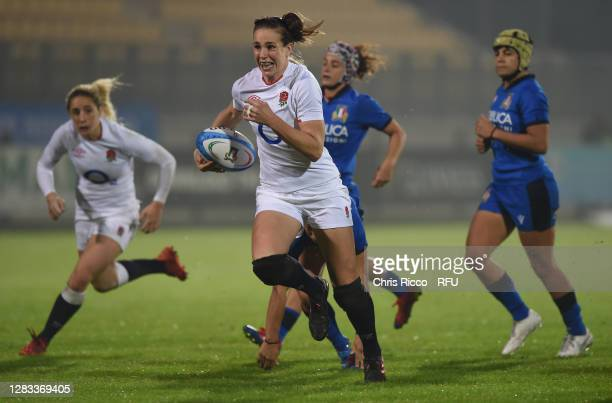 Emily Scarratt of England makes a break during the Women's Six Nations match between Italy and England on November 01, 2020 in Parma, Italy. Football...