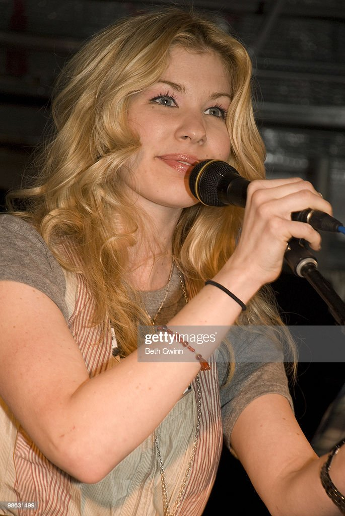 Emily West attends and performs at the Ellie's walk for Africa benefit at the Pinnacle Building on April 22, 2010 in Nashville, Tennessee.