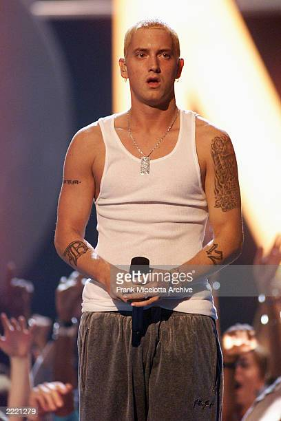 Eminem performs at the 2000 MTV Video Music Awards at Radio City Music Hall in new York City 9/7/00