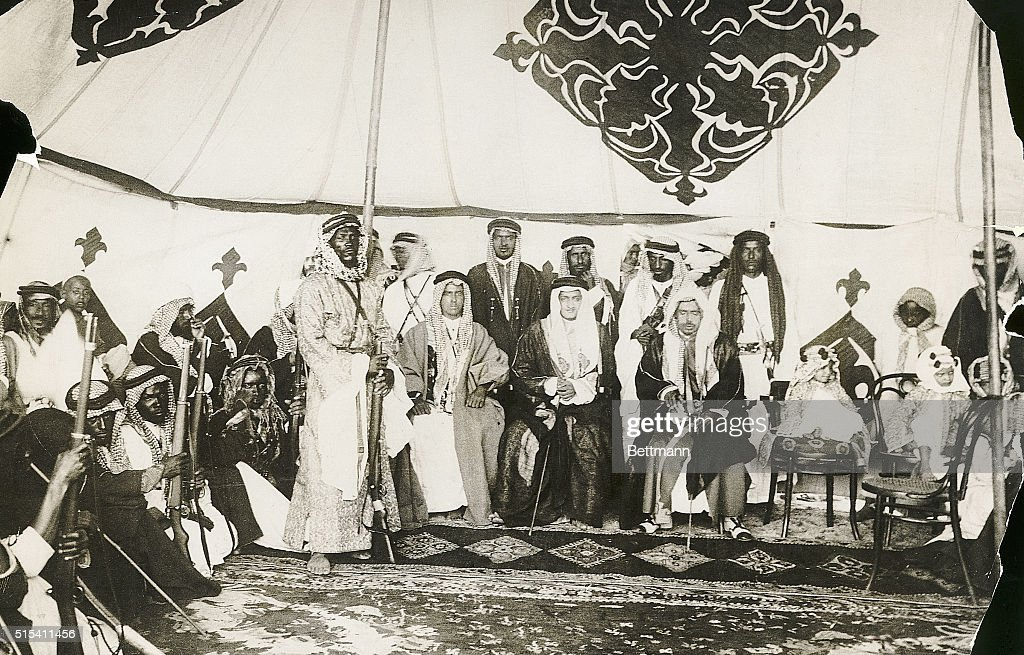 Emir Faisal with Warriors in His Tent : News Photo