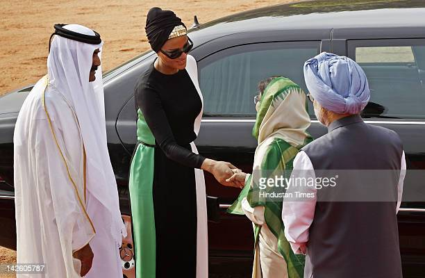 Emir of the State of Qatar Sheikh Hamad Bin Khalifa AlThaniand his wife Sheikha Mozah bint Nasser Al Missned are welcomed by Indian President...