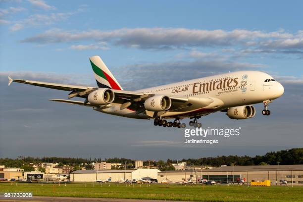 emirates airline airbus a380 - emirates airline stock pictures, royalty-free photos & images