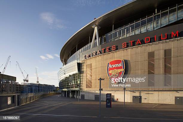 Emirates Stadium London United Kingdom Architect Hok Sport Emirates Stadium Sunset Shot With Arsenal Logo