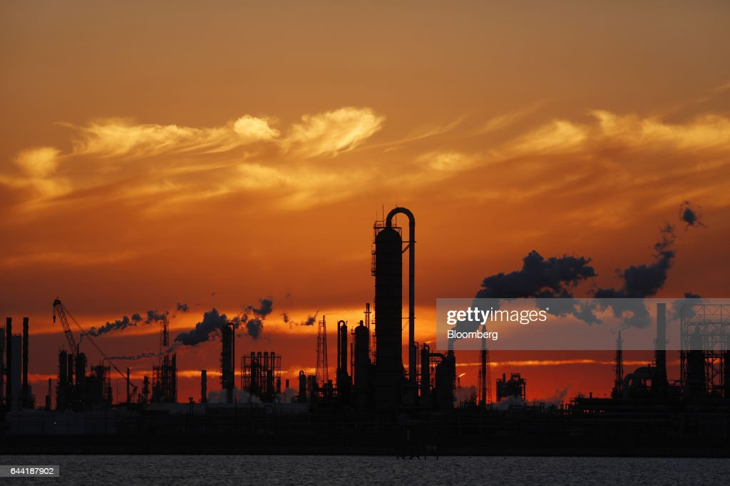 Oil Refineries As Historic Global Reserves Cut : News Photo