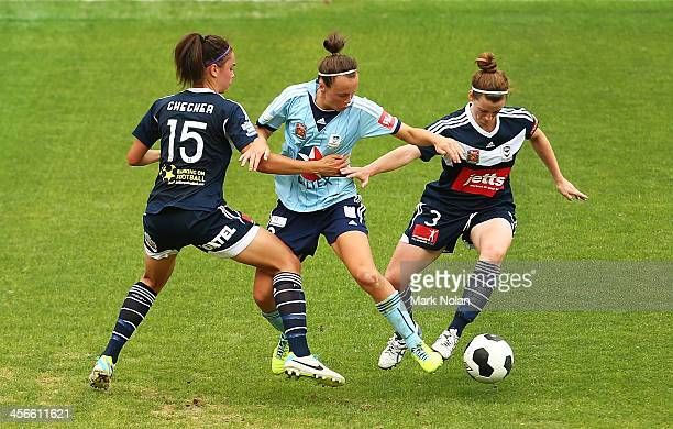 Emma Checker and Jessica Humble of Melbourne defend against Emma Kete of Sydeny during the round five WLeague match between Sydney FC and the...