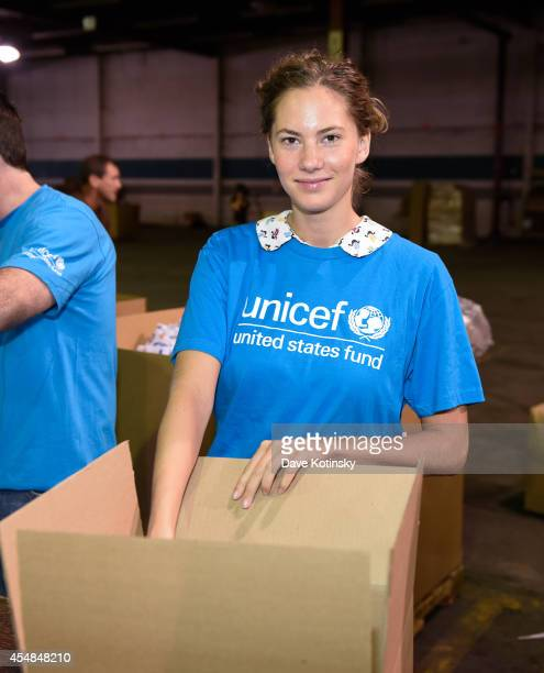 Emma Ferrer Audrey Hepburn's Granddaughter Joins UNICEF And UPS Volunteers In Packing Thousands Of Winter Survival Kits For Syrian Children on...