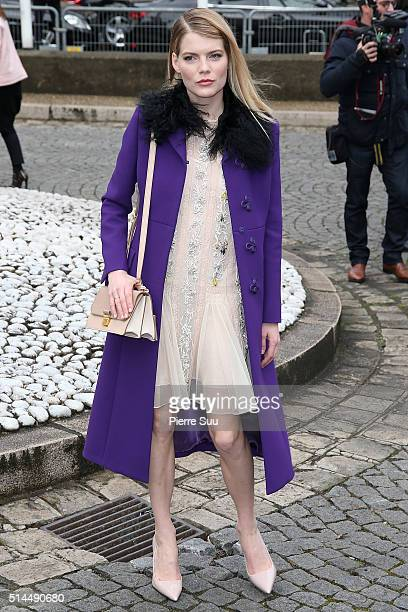 Emma Greenwell arrives at the Miu Miu show as part of the Paris Fashion Week Womenswear Fall/Winter 2016/2017 on March 9 2016 in Paris France