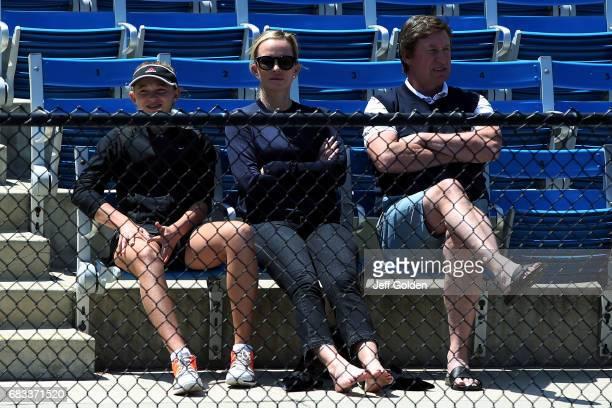 Emma Gretzky Janet JonesGretzky and Wayne Gretzky attend the NCAA Womens Tennis National Championship first round matches at RalphsStraus Tennis...