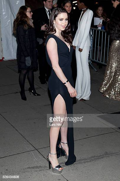 Emma Miller attends the '2016 amfAR' New York Gala outside arrivals at Cipriani Wall Street in New York City �� LAN
