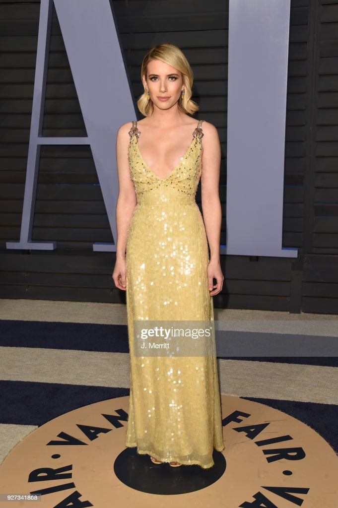 Emma Roberts attends the 2018 Vanity Fair Oscar Party hosted by Radhika Jones at the Wallis Annenberg Center for the Performing Arts on March 4, 2018 in Beverly Hills, California.