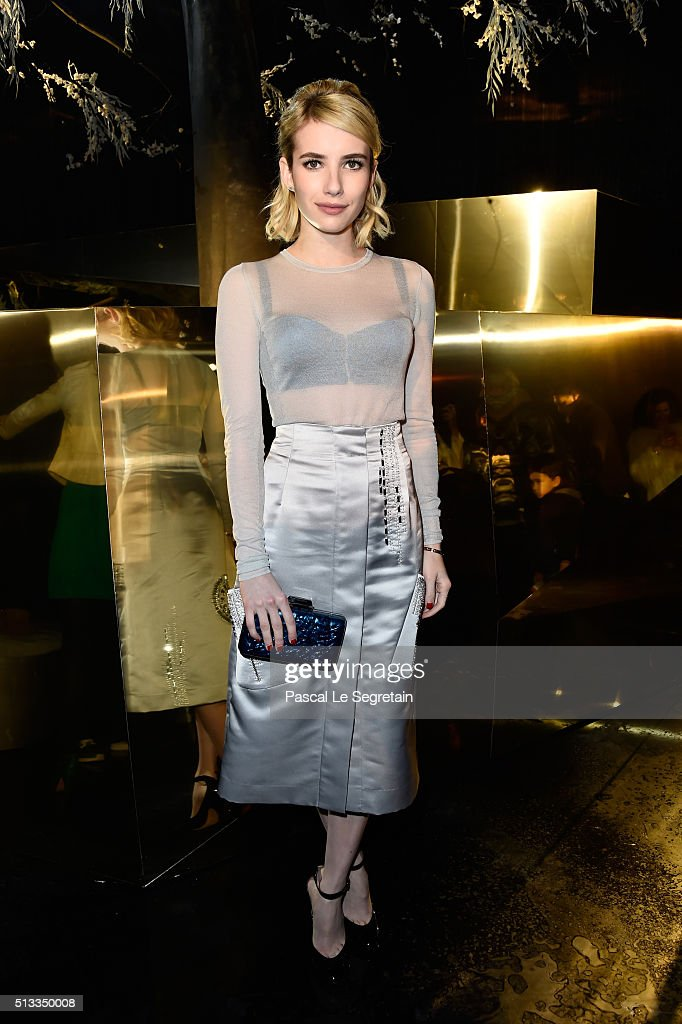H&M : Front Row  - Paris Fashion Week Womenswear Fall/Winter 2016/2017 : News Photo