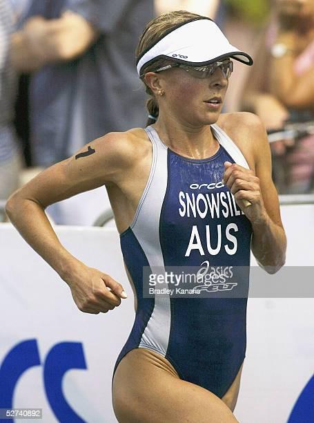 Emma Snowsill in action during the 2005 Mooloolaba ITU World Cup Triathlon on May 1 2005 in Mooloolaba Australia