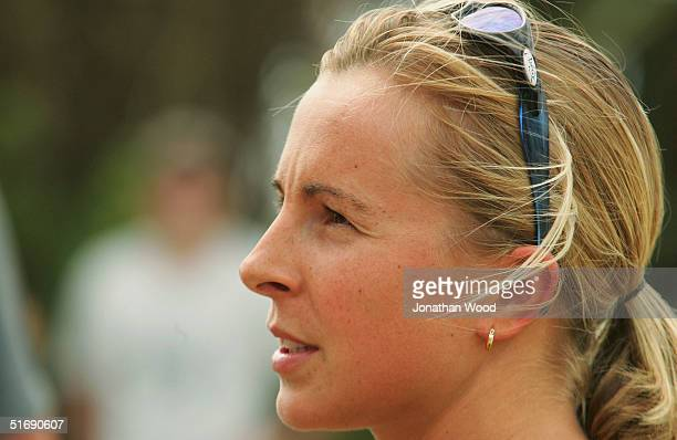 Emma Snowskill of Queensland speaks with the press in preperation for the Noosa Triathlon at the Noosa Surf Club November 6 2004 in Noosa Australia