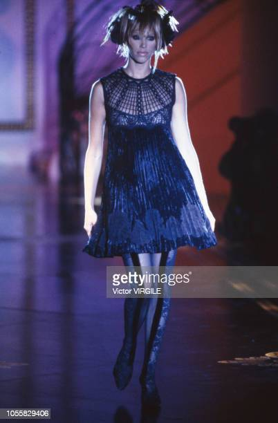 Emma Sojberg walks the runway at the Versace Haute Couture Fall/Winter 19931994 fashion show during the Paris Fashion Week in July 1993 in Paris...