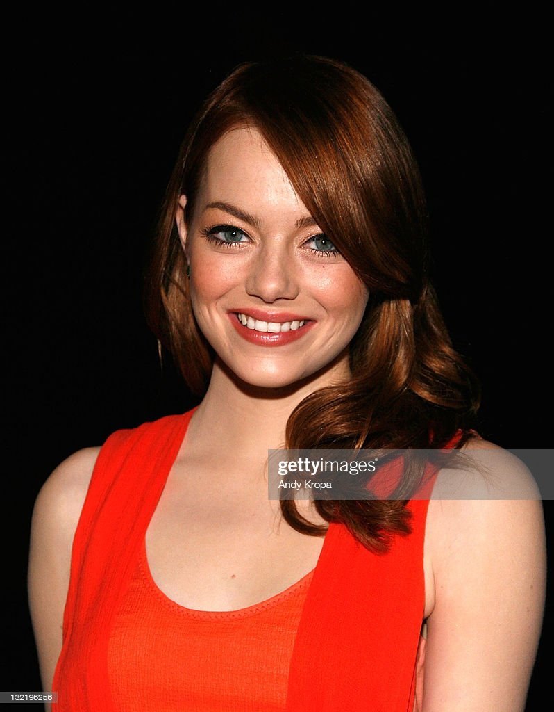 Emma Stone attends the 2011 American Museum of Natural History gala at the American Museum of Natural History on November 10, 2011 in New York City.