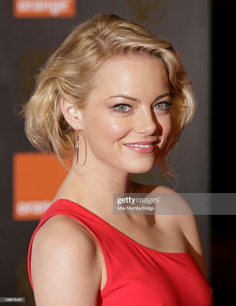 Orange British Academy Film Awards - Outside Arrivals : News Photo