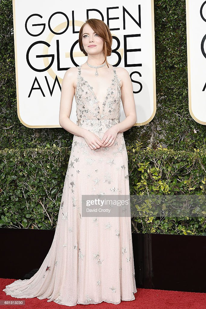 Emma Stone attends the 74th Annual Golden Globe Awards - Arrivals at The Beverly Hilton Hotel on January 8, 2017 in Beverly Hills, California.