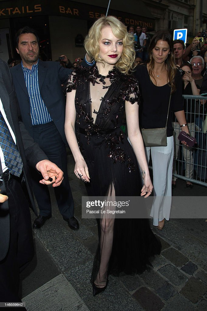 Emma Stone attends 'The Amazing Spider-Man' Paris Film premiere at Le Grand Rex on June 19, 2012 in Paris, France.