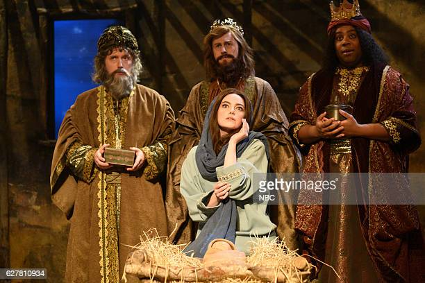 LIVE Emma Stone Episode 1712 Pictured Beck Bennett Alex Moffat Emma Stone as Mary and Kenan Thompson during The Nativity sketch on December 3 2016