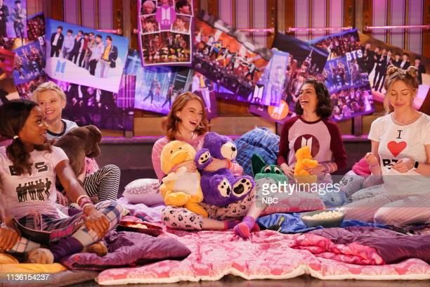 LIVE Emma Stone Episode 1764 Pictured Ego Nwodim Kate McKinnon host Emma Stone Melissa Villaseñor and Heidi Gardner during Promos in Studio 8H on...