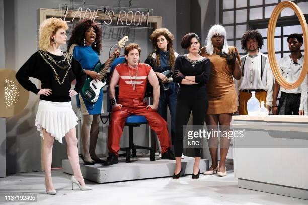 LIVE 'Emma Stone' Episode 1764 Pictured Host Emma Stone Ego Nwodim Beck Bennett Melissa Villaseñor Cecily Strong and Leslie Jones during the 'Ladies...