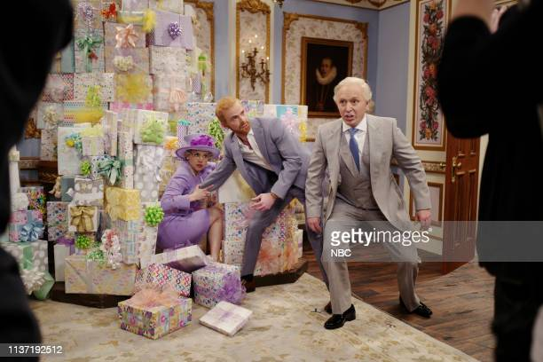 """Emma Stone"""" Episode 1764 -- Pictured: Kate McKinnon as Queen Elizabeth, Mikey Day as Prince Harry, and Beck Bennett as Prince Charles during the..."""