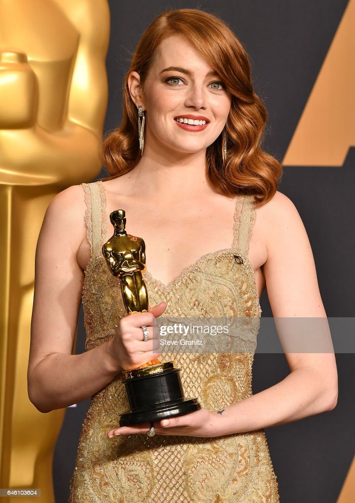 Emma Stone poses at the 89th Annual Academy Awards at Hollywood & Highland Center on February 26, 2017 in Hollywood, California.