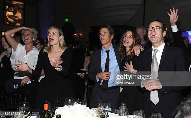 Emma Thompson Diane Kruger Danny Moder and Julia Roberts watch U2 perform at the 3rd annual Sean Penn Friends HELP HAITI HOME Gala benefiting J/P HRO...