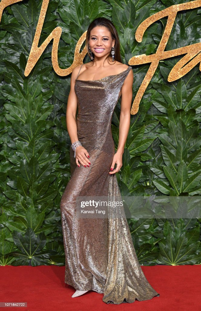 https://media.gettyimages.com/photos/emma-thynn-emma-mcquiston-arrives-at-the-fashion-awards-2018-in-with-picture-id1071842722