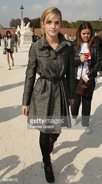 Emma Watson arrives at the Christian Dior PFW Spring/Summer 2008 show on September 29, 2008 in Paris, France.