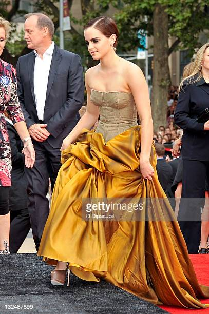 Emma Watson attends the premiere of ''Harry Potter and the Deathly Hallows Part 2'' at Avery Fisher Hall Lincoln Center on July 11 2011 in New York...