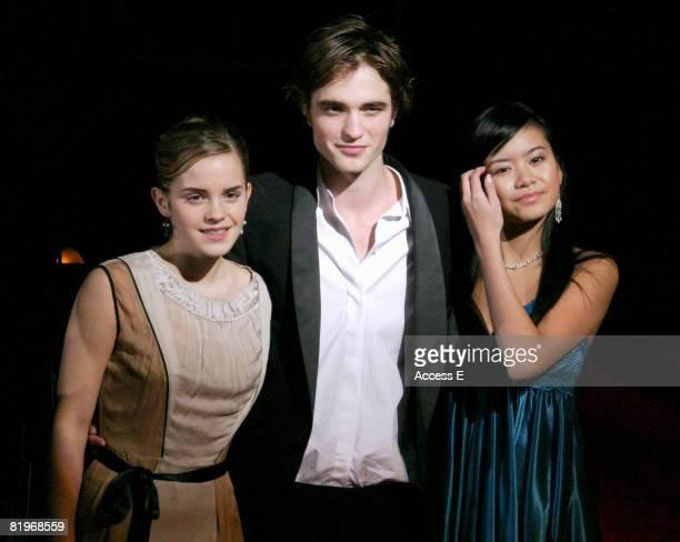 Robert Pattinson Latest News Photos and Videos