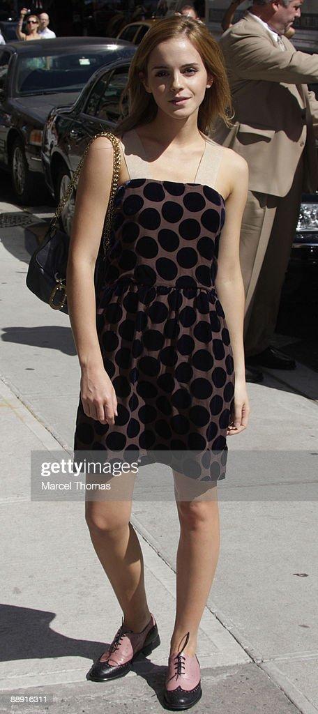 "Emma Watson Visits ""Late Show With David Letterman"" - July 8, 2009 : News Photo"