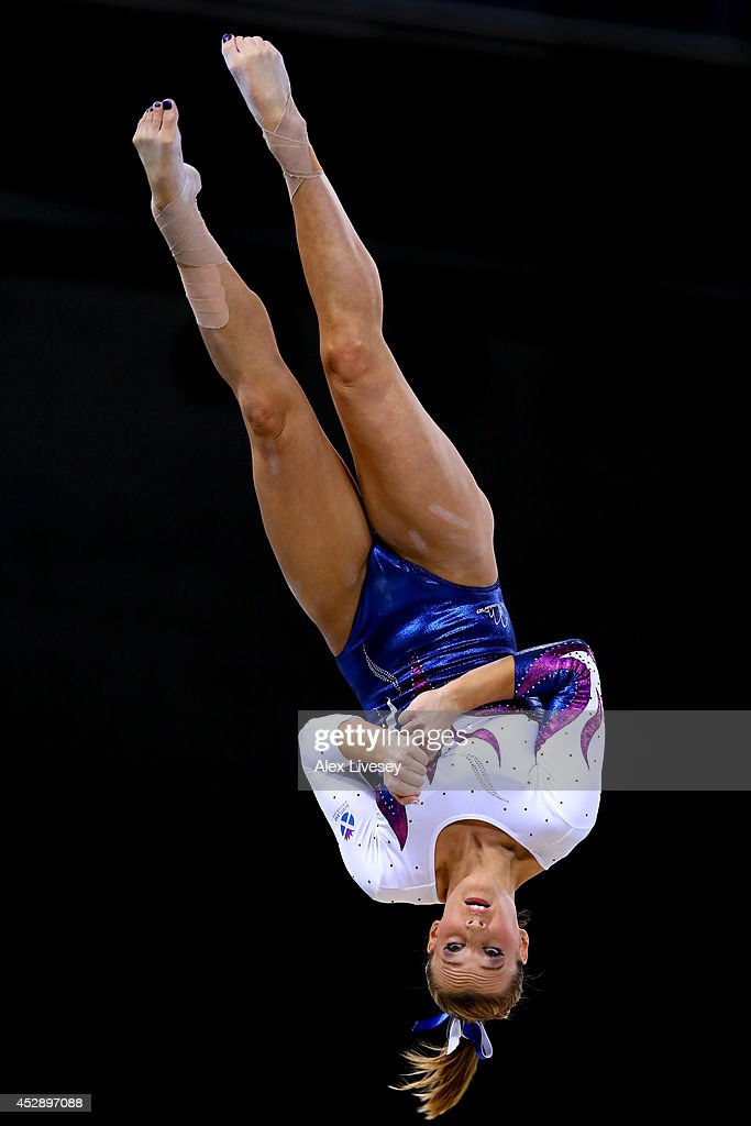 20th Commonwealth Games - Day 6: Artistic Gymnastics : News Photo