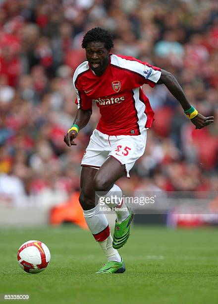 Emmanuel Adebayor of Arsenal in action during the Barclays Premier League match between Arsenal and Everton at Emirates Stadium on October 18 2008 in...