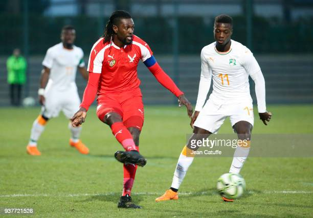 Emmanuel Adebayor of Togo Nicolas Pepe of Ivory Coast during the international friendly match between Togo and Ivory Coast at Stade Pierre Brisson on...