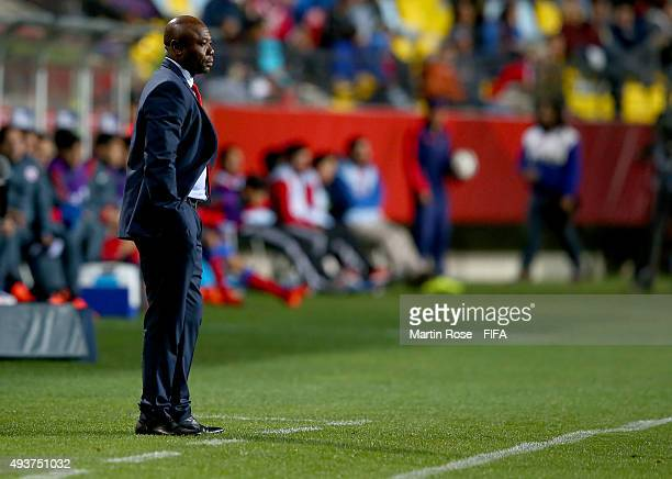 Emmanuel Amunike, head coach of Nigeria looks on during the FIFA U-17 Men's World Cup 2015 group A match between Chile and Nigeria at Estadio...