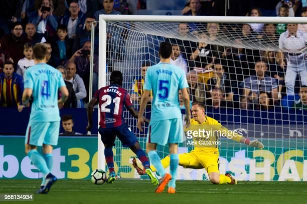 Emmanuel Boateng of Levante UD scores his team's second goal during the La Liga match between Levante UD and FC Barcelona at Estadi Ciutat de...